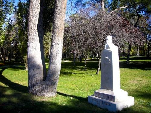 Monumento a Codorníu en El Retiro de Madrid.